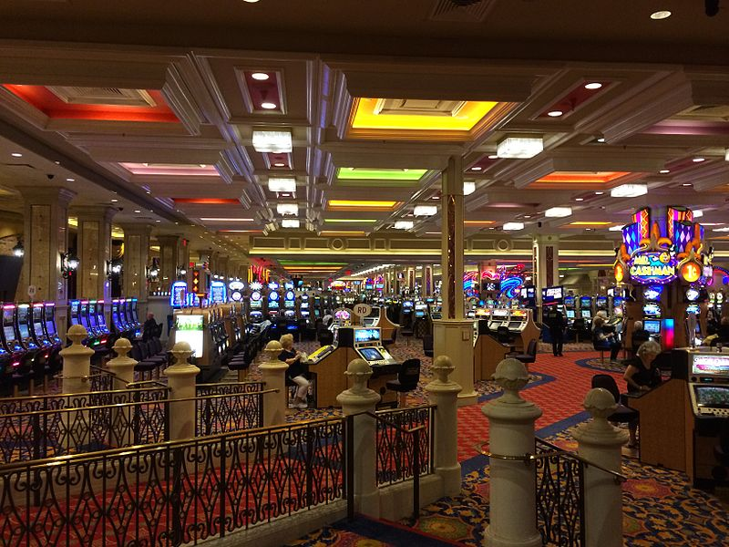 Make money and have fun with online casinos